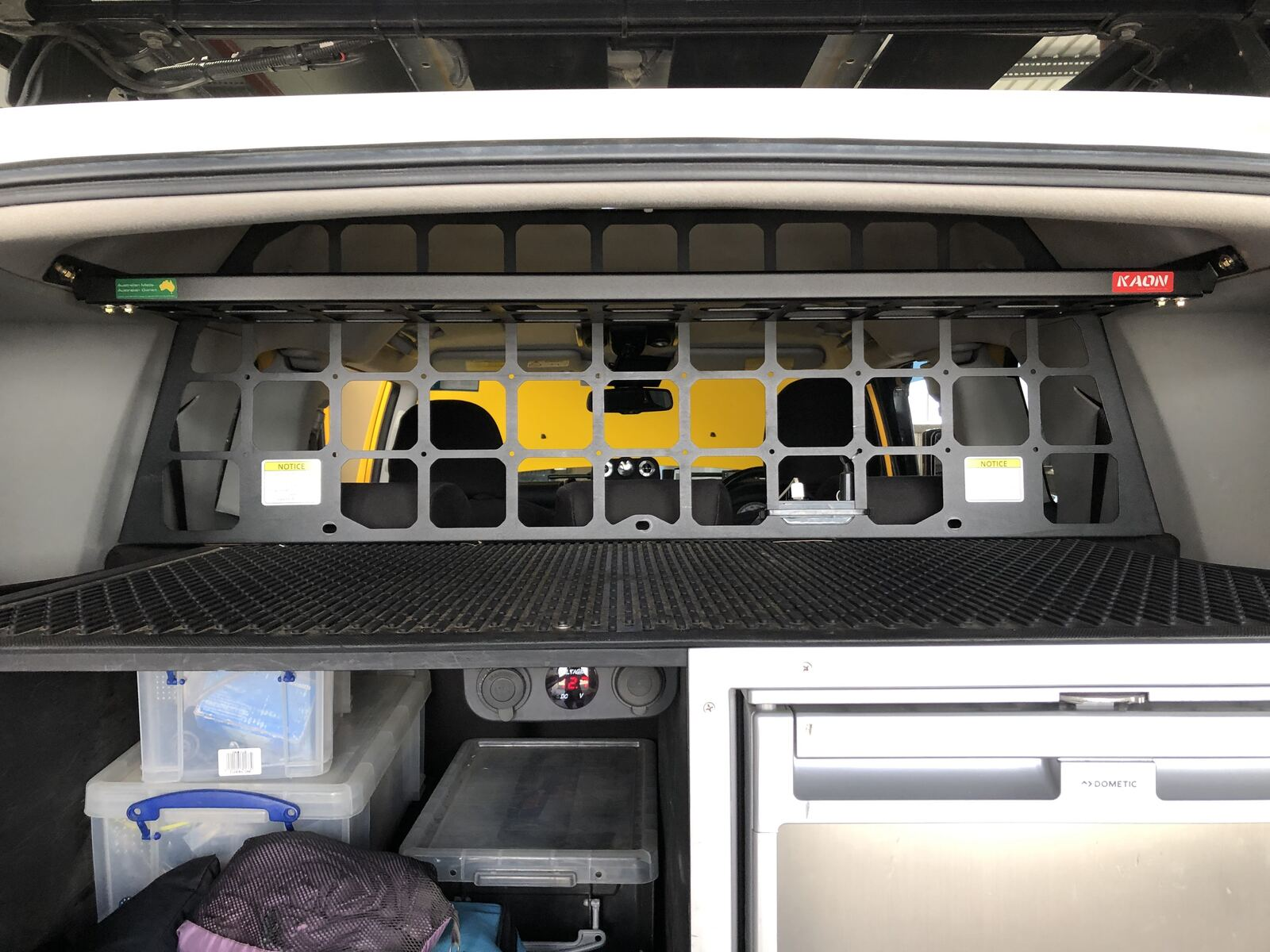 Light Cargo Pet Barrier and shelf to suit TOYOTA FJ Cruiser